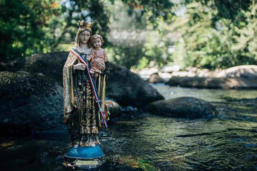 Advocación de la Virgen del Carmen