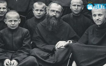 San Maximiliano Kolbe, un santo que entregó su vida para salvar a un padre de familia