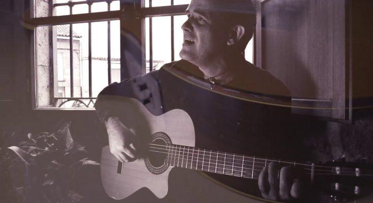 Luis Guitarra dedica esta bella canción a su Guitarra