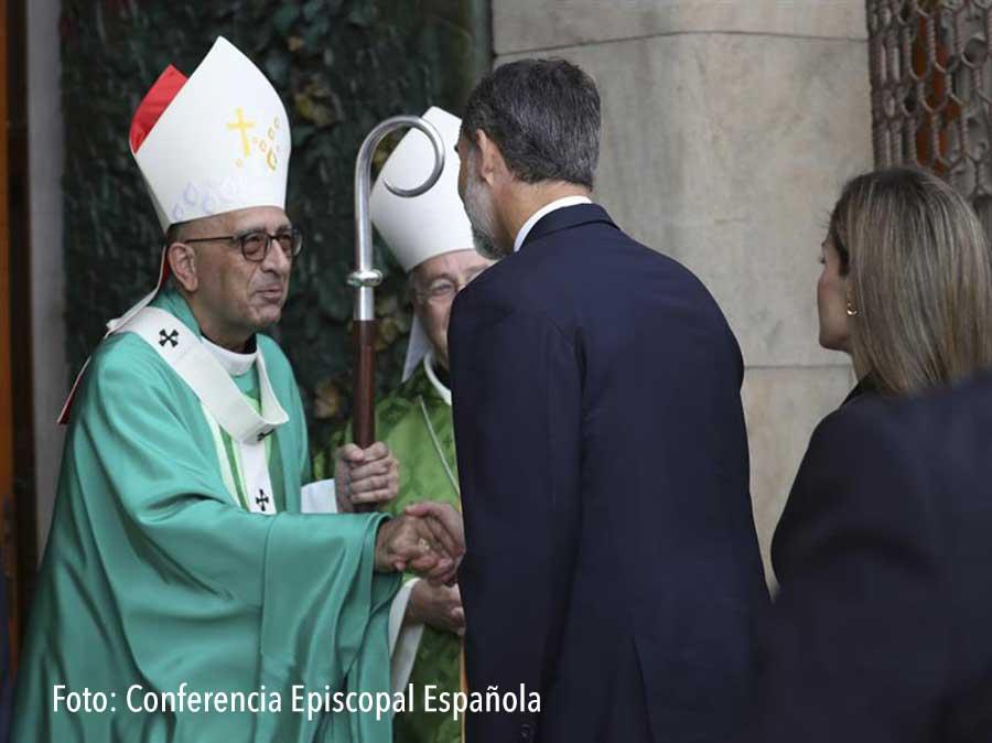 REY Felipe VI y el Cardenal Omella